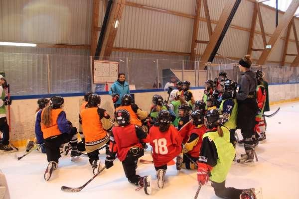 Tirols erster Girls Hockey Day war ein Erfolg